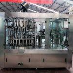 Máquina de rellenar líquida automática del acero inoxidable para el aceite / el agua purificada